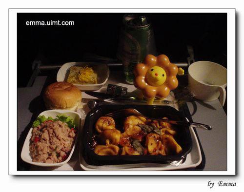 飞机餐有些许泰国料理味喔